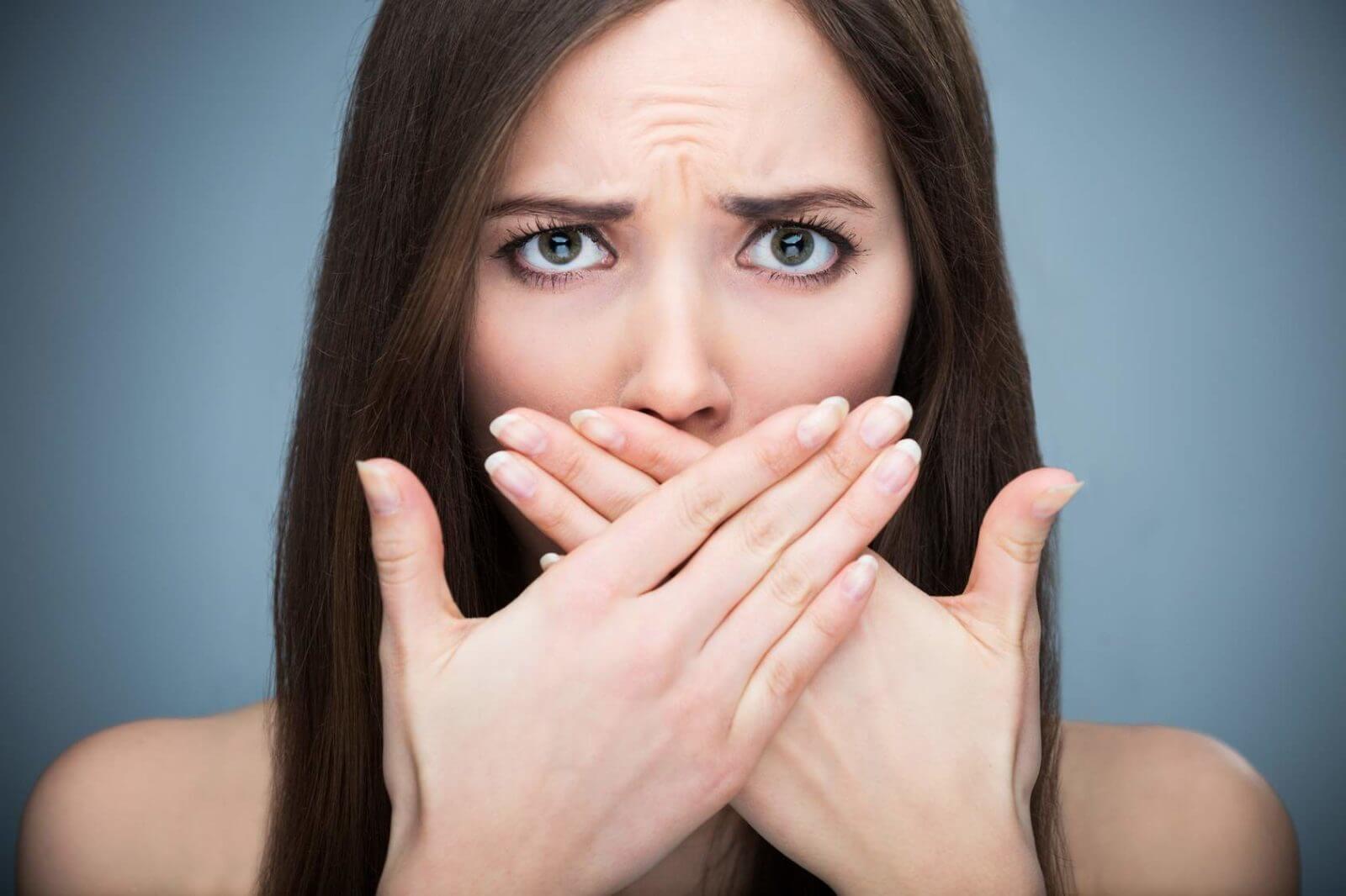 Неприятный запах изо рта – хронический тонзиллит